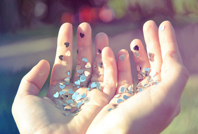 dream-glitter-hands-heart-hearts-hope-Favim.com-47253