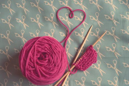 knitting-with-pink-yarn1