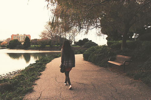beautiful-girl-lake-landscape-park-Favim.com-245143